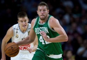 David Lee Will Reportedly Sign With The Mavericks After Being Waived By The Celtics