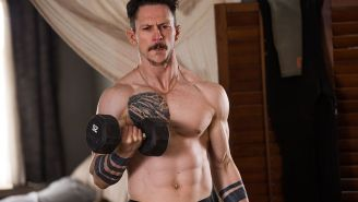 'Kingdom' star Jonathan Tucker on weight loss, 'Justified' & defending Bob Little