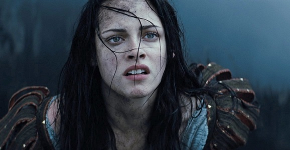 Kristen-Stewart-in-Snow-White-and-the-Huntsman-2012-Movie-Image8