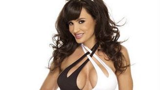 Here's How Former Porn Star Lisa Ann Used Twitter To Hook Up With Athletes