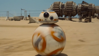 Now BB-8 Is Reacting To The 'Star Wars: The Force Awakens' Trailer