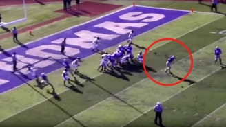 This College Team Pulled Off An Unbeliveable Behind-The-Back Throw To Convert A Fake PAT