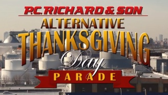 Seth Meyers Provides A Fresh Alternative To The Macy's Thanksgiving Day Parade