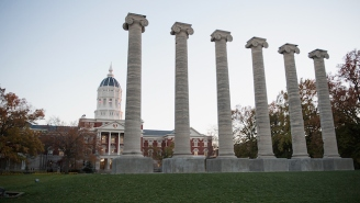 Police Arrest Teenager For Threatening To Kill Black Mizzou Students On Yik Yak