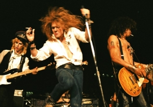 These Guns N' Roses Reunion Rumors Are Heating Up With Some Very Telling Hints