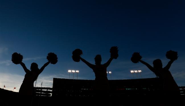 guide 10 lede cheerleaders