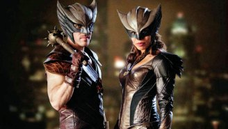 Hawkgirl's  ancient past revealed in extended 'Flash'/'Arrow' crossover trailer