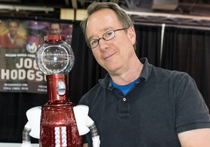 Joel Hodgson On Why 'Mystery Science Theater 3000' Had To Start Over In Order To Come Back