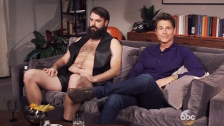 Rob Lowe Discovered A 'New' App For 'The Grinder' Fans To Meet Up