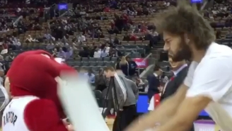 Of Course Robin Lopez Attacked The Toronto Raptor During Tuesday Night's Game