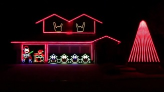 This Metalhead's Impressive Christmas Lights Display Rocks The Holidays With The Help Of Slipknot
