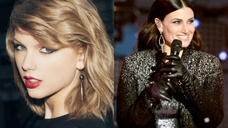 "Taylor Swift and Idina Menzel duet to ""Let It Go"""