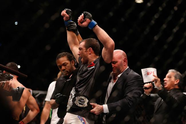 Luke Rockhold UFC 194
