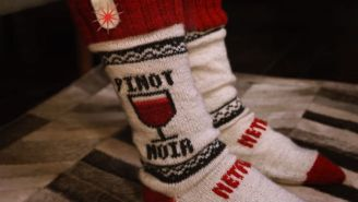 Here's How Netflix Socks Pause Your Binging When You Fall Asleep