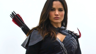 'Arrow's' Katrina Law dishes on LGBT shipping, Nyssa, and 'Legends of Tomorrow'