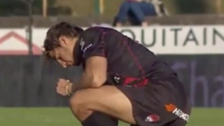 This Rugby Player Tried His Best To Find His Four Missing Teeth