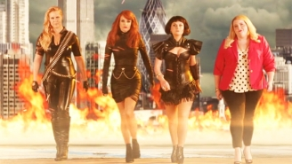 Tina Fey And Amy Poehler Assemble Their Own Squad In This Parody Of Taylor Swift's 'Bad Blood'
