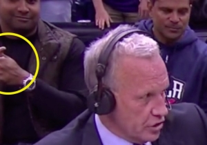 This Guy Who Photobombed Doug Collins Can Bend His Thumb Back An Insane Amount