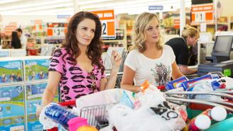 How 'Sisters' Finally Gives Tina Fey And Amy Poehler A Worthwhile Big Screen Comedy