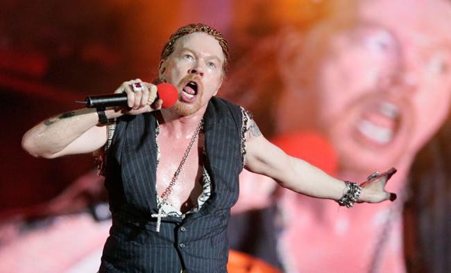 Guns N' Roses in Concert at Bella Villa Park in Lisbon - May 27, 2006