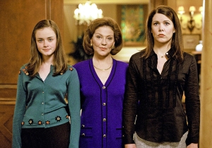 Oy with the poodles already! The 'Gilmore Girls' revival is official!
