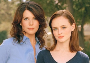 Lauren Graham Reacts To Being Back On The 'Gilmore Girls' Set Ahead Of The Netflix Revival