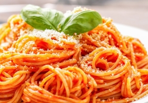 Investigating The Alleged Appeal Of Ketchup Spaghetti And Honey Boo Boo's 'Sketti' For National Spaghetti Day