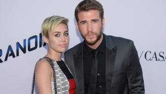 Liam Hemsworth Poses For Awkward Christmas Photo With Miley Cyrus' Family