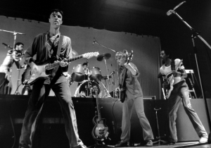 5 Other Legendary Bands We'd Love To See Reunite (With The Actual Odds)
