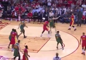Jason Terry Makes The Extra Pass To Absolutely No One
