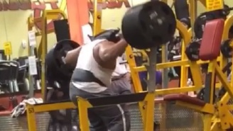 Allow This Man To Show You How Not To Attempt An 855-Pound Squat