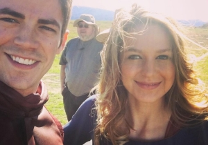 The Flash and Supergirl are very cute on the set of their crossover episode