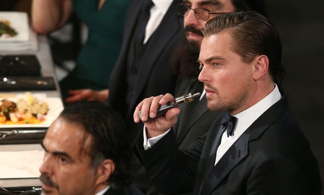 Leonardo Dicaprio Vaping At The Sag Awards