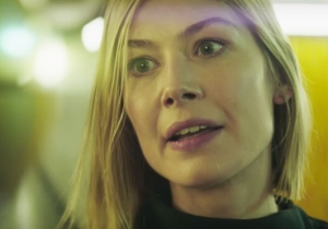 Rosamund Pike pays tribute to two cult horror classics in bizarre new video