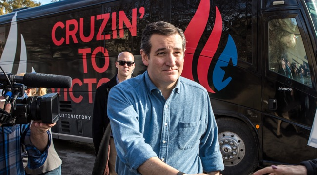 GOP Presidential Candidate Sen. Ted Cruz (R-TX) Campaigns Ahead Of Iowa Caucus