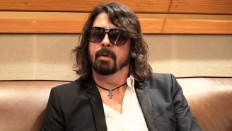Dave Grohl's Reaction To Rumors Of A Foo Fighters Break-Up Is A Slice Of Genius – Video