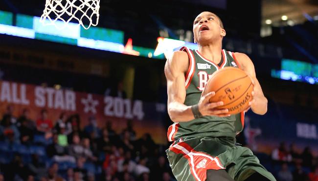 Giannis Antetokounmpo dunk