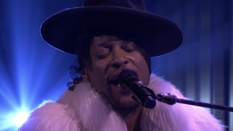 Watch D'Angelo's Tribute To Prince On The Tonight Show