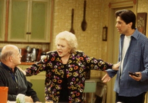 'Everybody Loves Raymond' Matriarch Doris Roberts Is Dead At Age 90