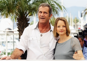 Jodie Foster Is Still Defending Mel Gibson Despite Him Not Saying Anything Controversial In Awhile