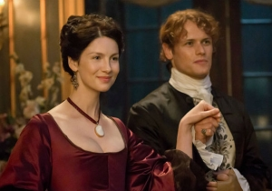 The Frasers Take France In Style In 'Outlander' Season 2