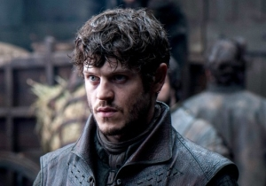 'Game of Thrones' Actor Iwan Rheon Thinks Ramsay Bolton Is A 'Complete Scumbag' Too