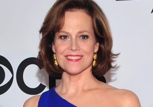 Sigourney Weaver perfectly sums up 'Alien vs. Predator' in one hilarious quote