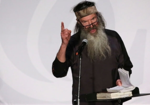 'Duck Dynasty' Dad Phil Robertson Wants People To Give Him Money To Fight For Bathroom Laws