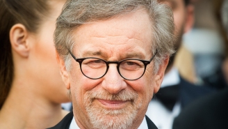 Steven Spielberg Regrets Replacing Guns With Walkie-Talkies In 'E.T.,' Vows Not To 'Digitally Enhance' Any Other Classics
