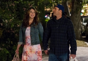 'Gilmore Girls' Netflix Revival Wraps With A Farewell Photo From Lauren Graham And Scott Patterson