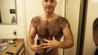 This Video Of An Incredibly Hairy Man Shaving His Chest And Back Is Somehow Ridiculously Captivating