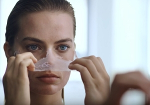Margot Robbie Parodies 'American Psycho' In This Video Detailing Her Daily Beauty Routine