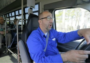 This Awesome Opera-Trained Bus Driver Really Belts Out Tunes For His Passengers