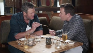 Blake Shelton Tries Sushi For The First Time With Jimmy Fallon And It Goes As Well As You'd Expect